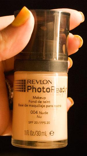 Revlon PhotoReady foundation in 004 Nude