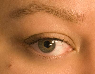 Wearing just mascara (no eyelash primer)
