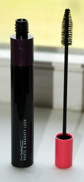 Lookbook: MAC Cosmetics Haute & Naughty Lash Mascara justpink MAC Cosmetics