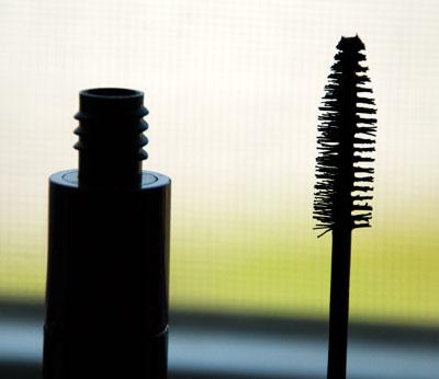 Lookbook: MAC Cosmetics Haute & Naughty Lash Mascara pinkwand MAC Cosmetics