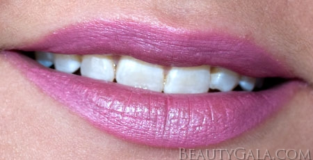 Lookbook Review L Oreal Infallible Lipstick Perennial Pink