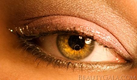 "Lookbook: Maybelline ExpertWear Eyeshadow Quad, ""Seashore Frosts"" Makeup Look Frosts Tutorials Maybelline Feature Columns Eyes Categories Beauty Bargains"