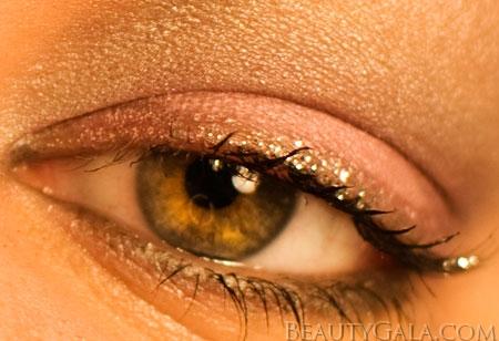 "Lookbook: Maybelline ExpertWear Eyeshadow Quad, ""Seashore Frosts"" Makeup Look Frosts2 Tutorials Maybelline Feature Columns Eyes Categories Beauty Bargains"