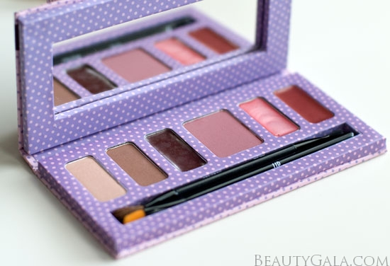 """Lookbook: TINte Cosmetics Match Book Kit, """"Blushed Beauty"""" Photographs & Swatches"""