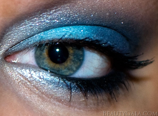 "Makeup Look: ""Blue Blowout,"" using Maybelline EyeStudio Color Explosion Palette blow10 Type Tutorials Maybelline Lookbook Eyes Categories Brands"