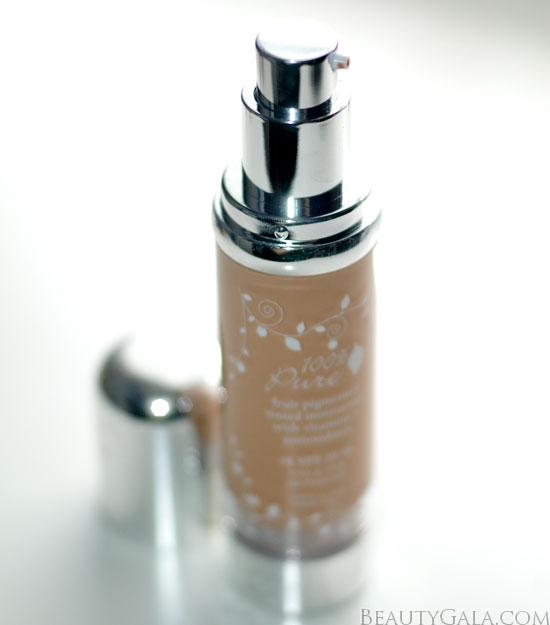 <u><strong><center>The Foundation Made of Fruit: 100% Pure Fruit Pigmented Tinted Moisturizer SPF 20</u></strong></center>