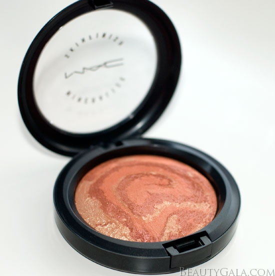 mac mineralize skinfinish center of the universe swatch