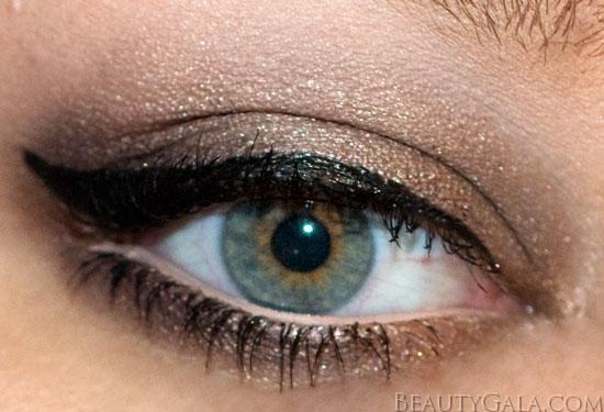 One Shade Eyeshadow