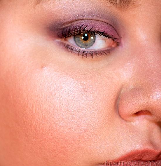 """Revlon Photoready Skinlights in """"Bare Light"""""""
