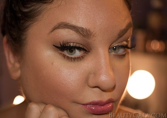 Holiday Makeup Look: Sparkling Gold Eye Makeup with Pink Glossy Lips!