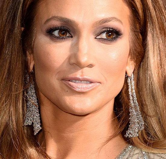 Jennifer-Lopez---72nd-Annual-Golden-Globe-Awards---January-11-2015-017