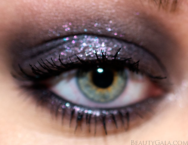 Urban Decay Moondust Eyeshadow In Ether Swatches