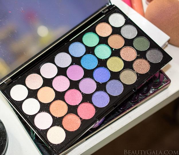 "Makeup Revolution Ultra 32 Eyeshadow Palette in ""Mermaids Forever""    Makeup  Look   Tutorial.  Press sample.  makeuprevolution8 050dbdb4be0cd"