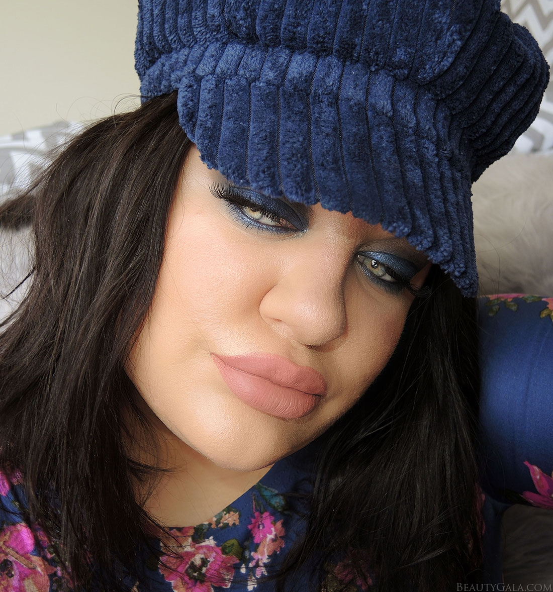 nasty gal, nasty gal newsboy cap, nasty gal hat, navy eye makeup, navy eyeshadow, blue eyeshadow, smokey eyes
